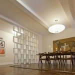 Creative partition wall in the dining room