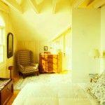 Sunny bedroom in gold tones