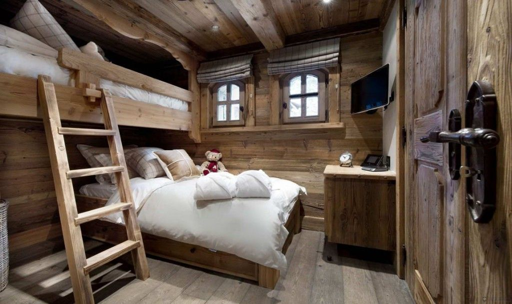Picture of: Bold Country Style Bedroom Design