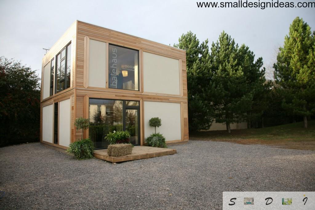 Small tidy white minimalistic house facade