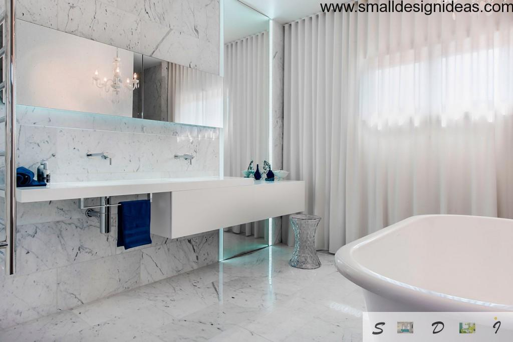 White marble bathroom with noble streaks