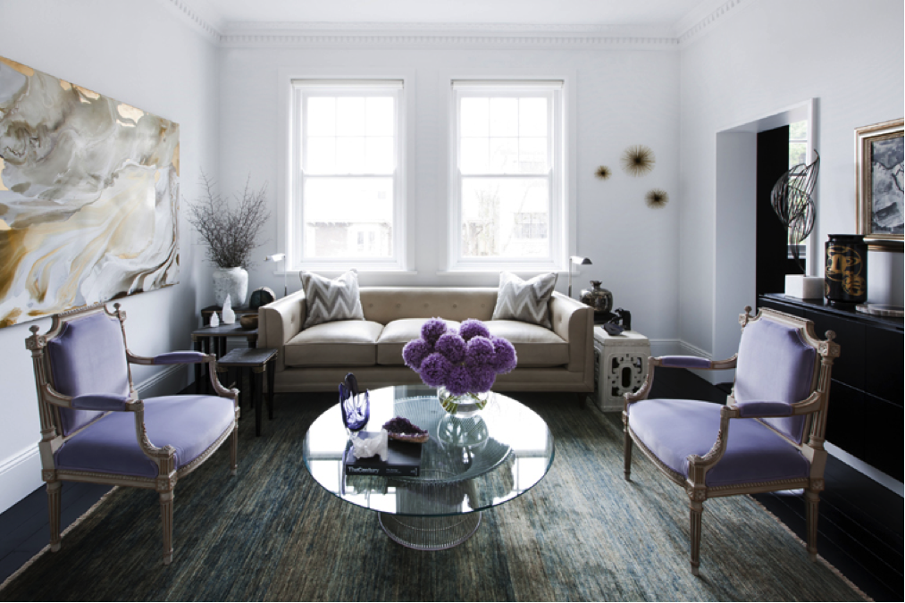 Fresh lilac design of the suburban house living with fresh lilac twigs