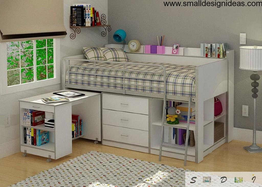 Storage drawers in an unversal bed playground for a child