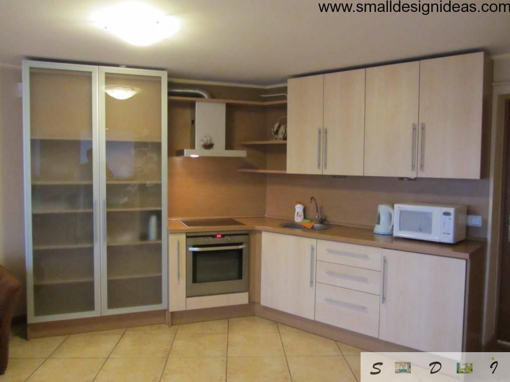L-shaped Kitchen design with convenient cupboard