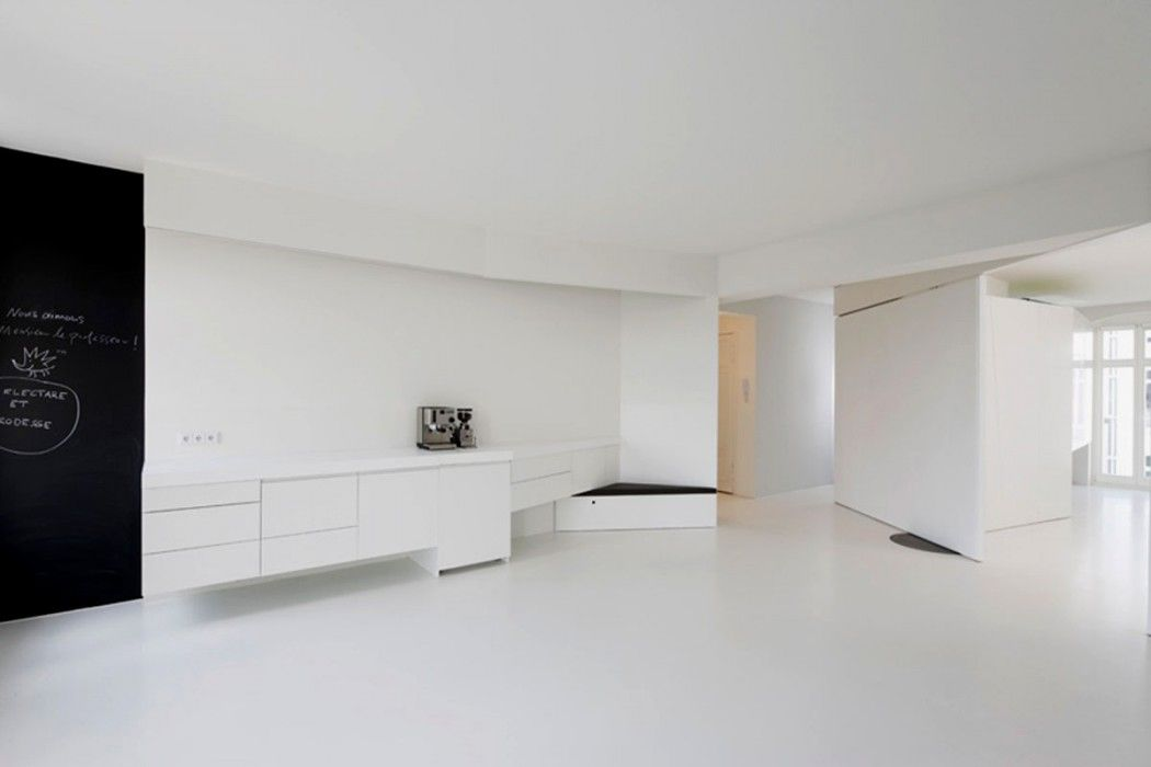 Extreme Minimalist White Color Interior Design Small