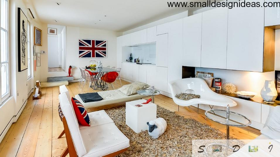Britain flag as the focal point of the bright cozy lving with wooden floor and large rug