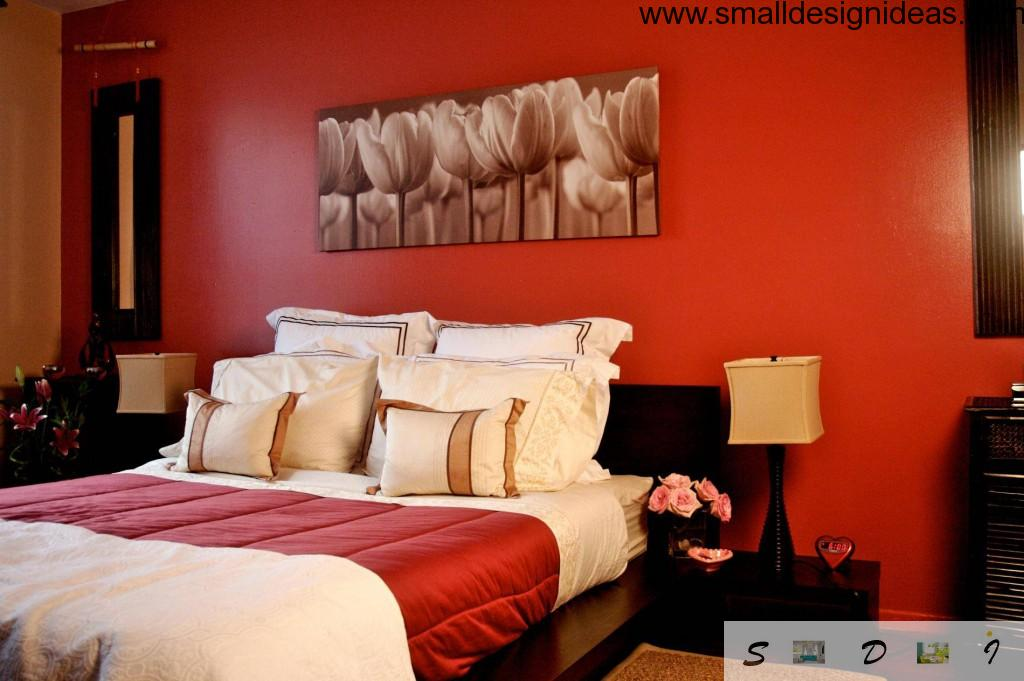 Red color appearance of the small bedroom