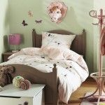 Child room bed with vintage style decoration