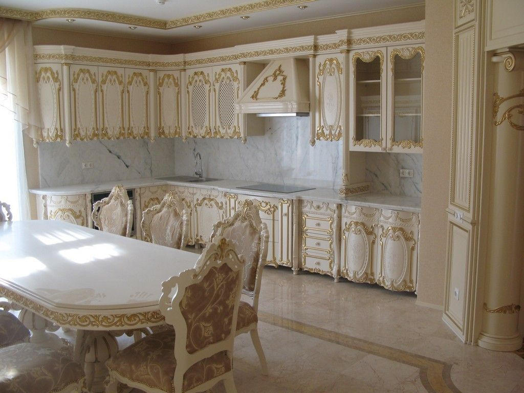 Baroque kitchen is for big fans of Italian culture
