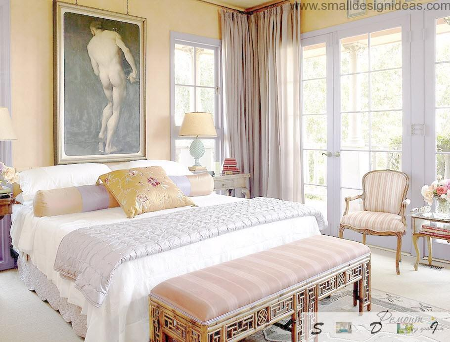 Reneissance age picture in the classic bedroom with a lot of textile in the wide bed