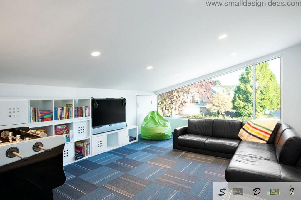 Multifunctional living room with reading and playing zone