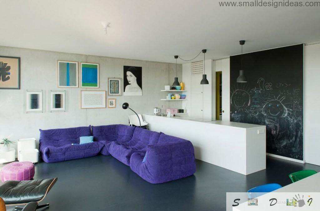 Purple frameless sofa in the spacious living room