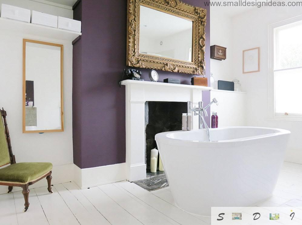 Boldly purple wall coloring in the white interior if modern bathroom