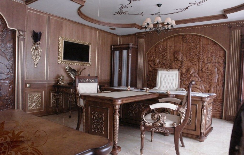 Home office for royalty or very self-confident and succesful people in Baroque style