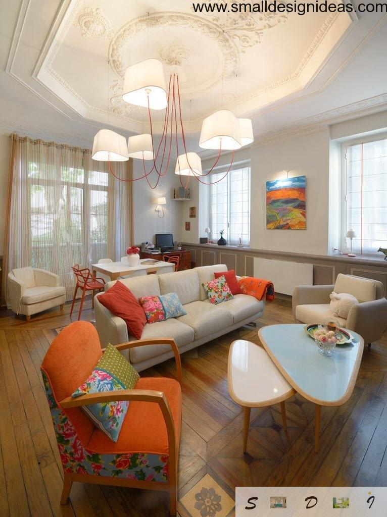 Arranged in eclectic style studio apartment with a lot of furniture