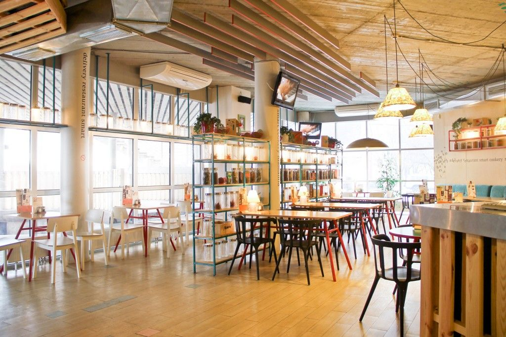 Eclectic Interior Design Style in the restaurant