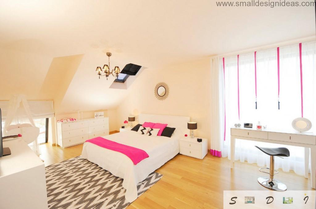 Pastel and creamy colors for teen bedroom