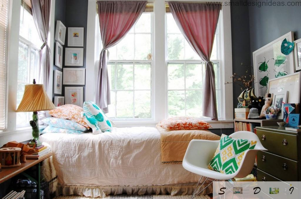 Bedroom interior ideas foe teen girls in the contrasting gamma