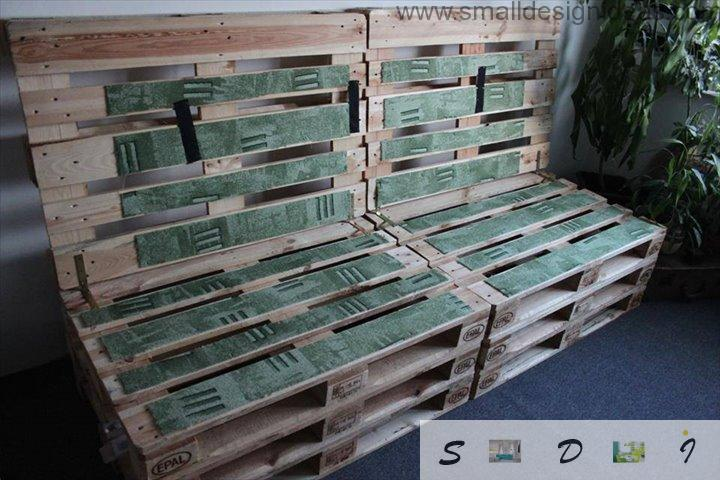Indoor Outdoor Universal Pallet Furniture Ideas. Soft green pads for sitting on the DIY pallet sofa