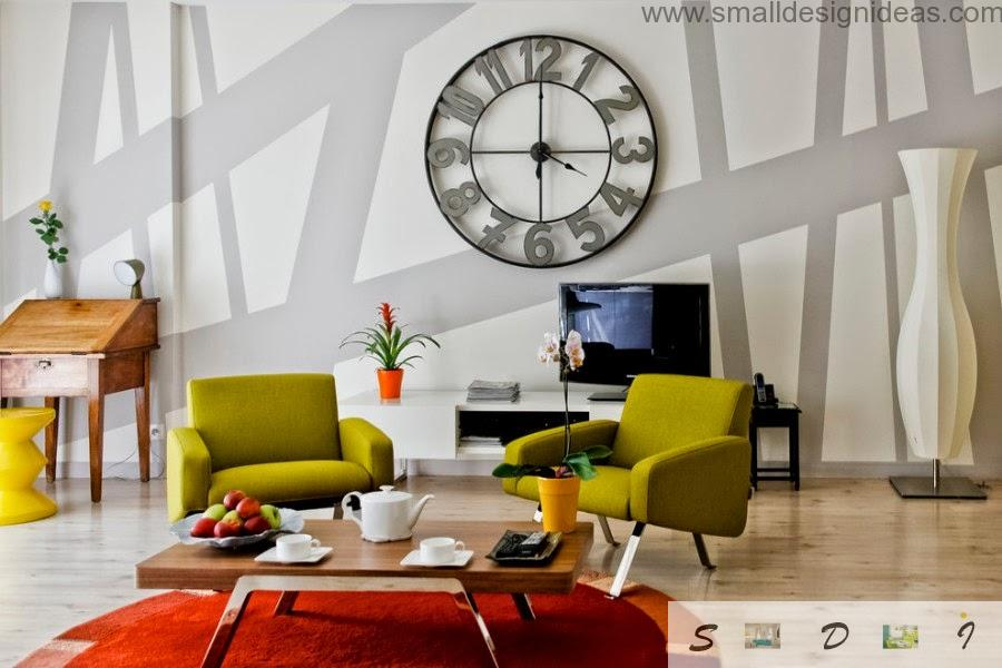 Big wall clock and bright furniture for the paint ideas of the living room