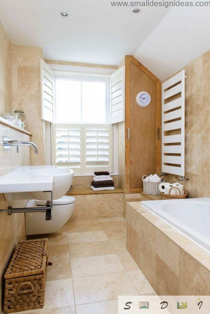 Wooden trimming in the light brown bathroom design