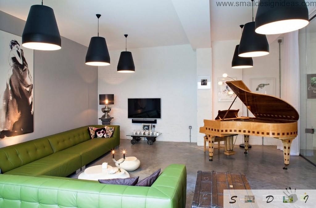 Black lampshades as a contrasting elements in the bright furnished room
