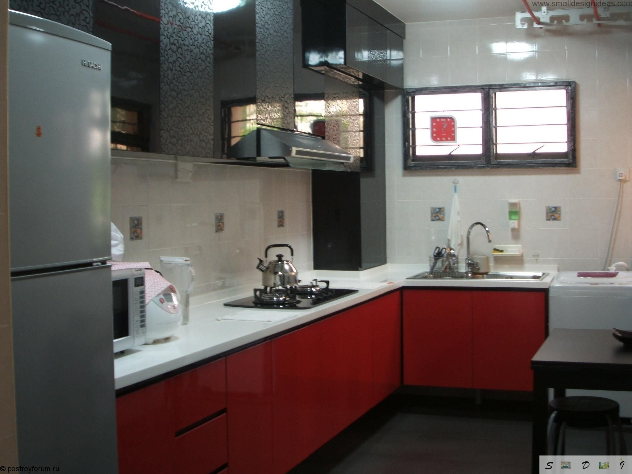 Modern middle size kitchen remodel ideas for Black and white kitchen ideas and red