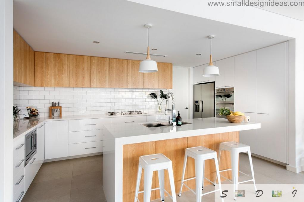 White island kitchen with wooden structure cabinets and surfaces