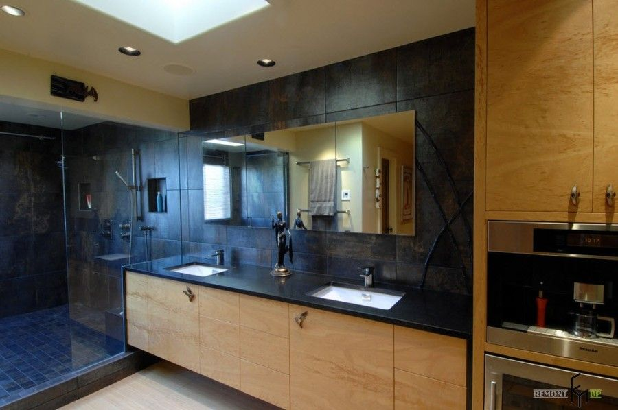 Dark and light contrast with mixed styles of the Japanese bathroom