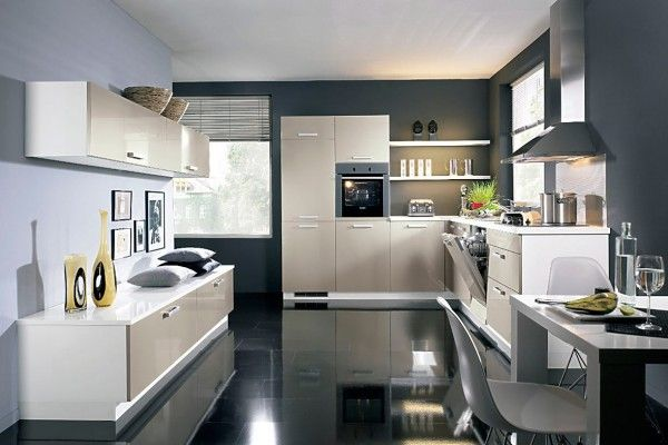 Glance film of the kitchen cabinet cladding is almost impossible to recognize by bare eye