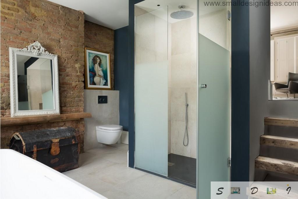 Unusual bathroom design of the London`s private house mixing the styles