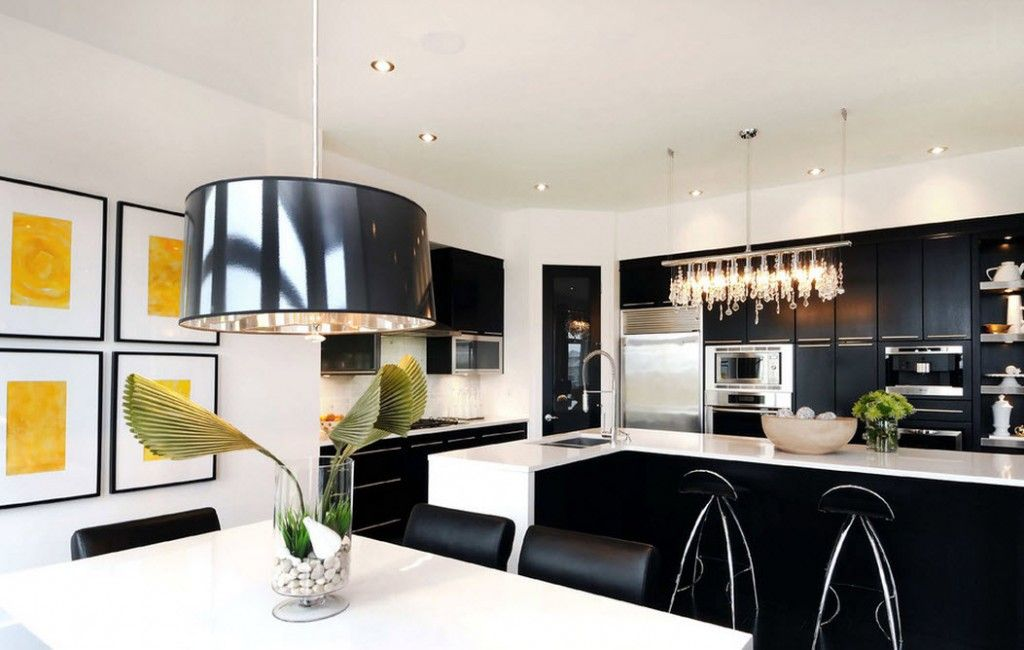 Stylish Kitchen Chandelier Types: Classic to Avant-Garde. Black and white contrast along with flower stylistic