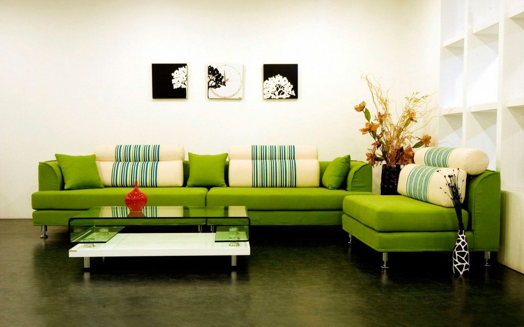 Modern Interior Pictures Placement Advice. Contrasting picture composition in the green theme designed room