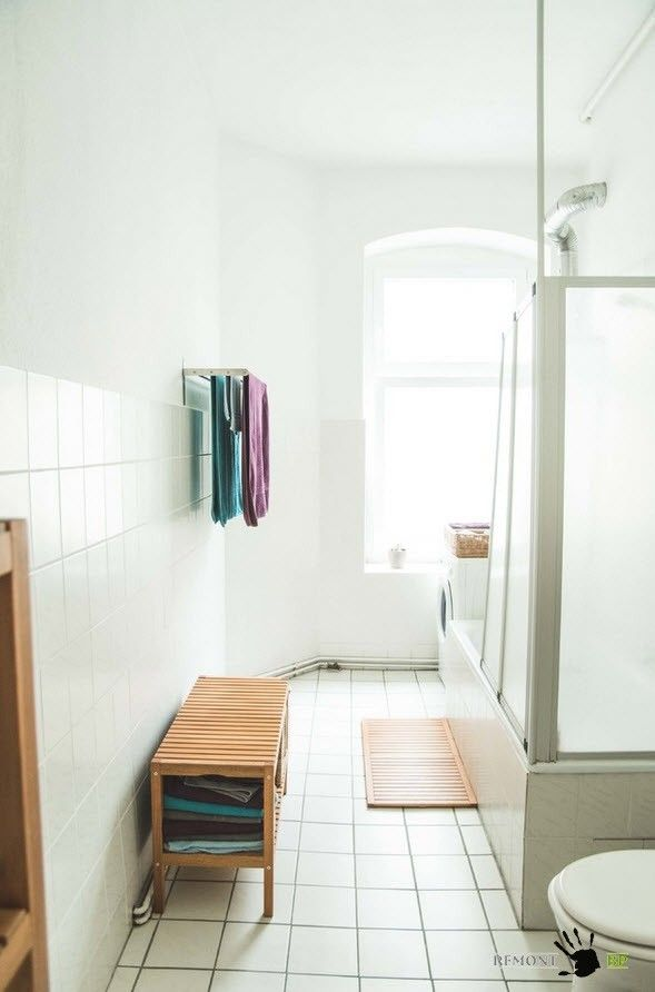 Original vintage bathroom design with closed shower