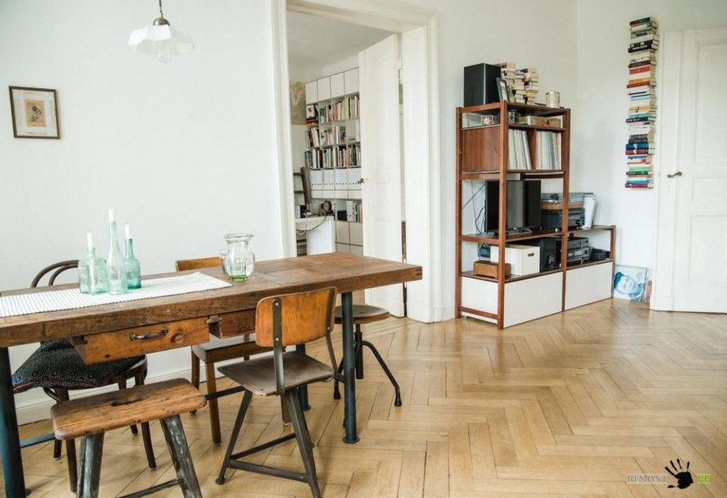 Another look at the dining zone of the living room in the Berlin Retro interior design