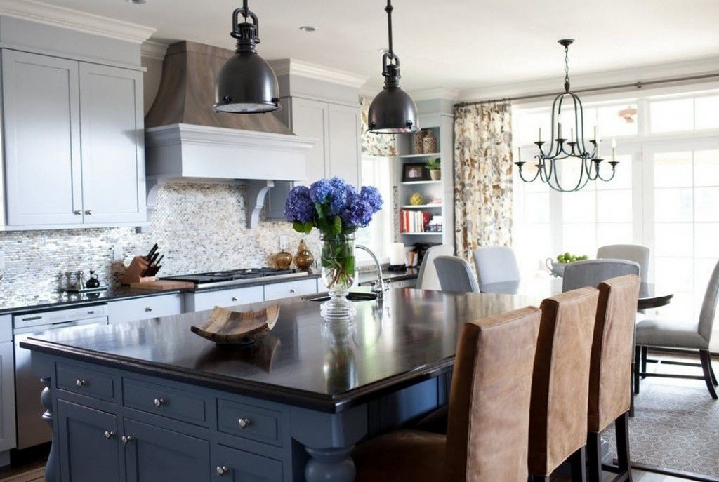Stylish Kitchen Chandelier Types: Classic to Avant-Garde. Low-key classic interior of the kitchen with all modern appliances