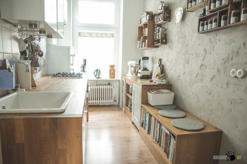 Narrow but cozy galley kitchen design ideas in Retro style