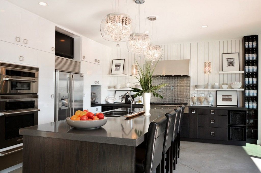 Stylish Kitchen Chandelier Types: Classic to Avant-Garde. Contrasting kitchen intwrior in hi-tech style