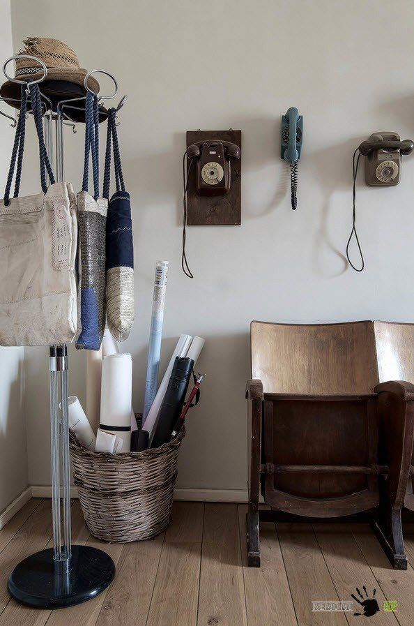 Vintage Eclectic Interior design ideas in the Italian apartment. Hallway