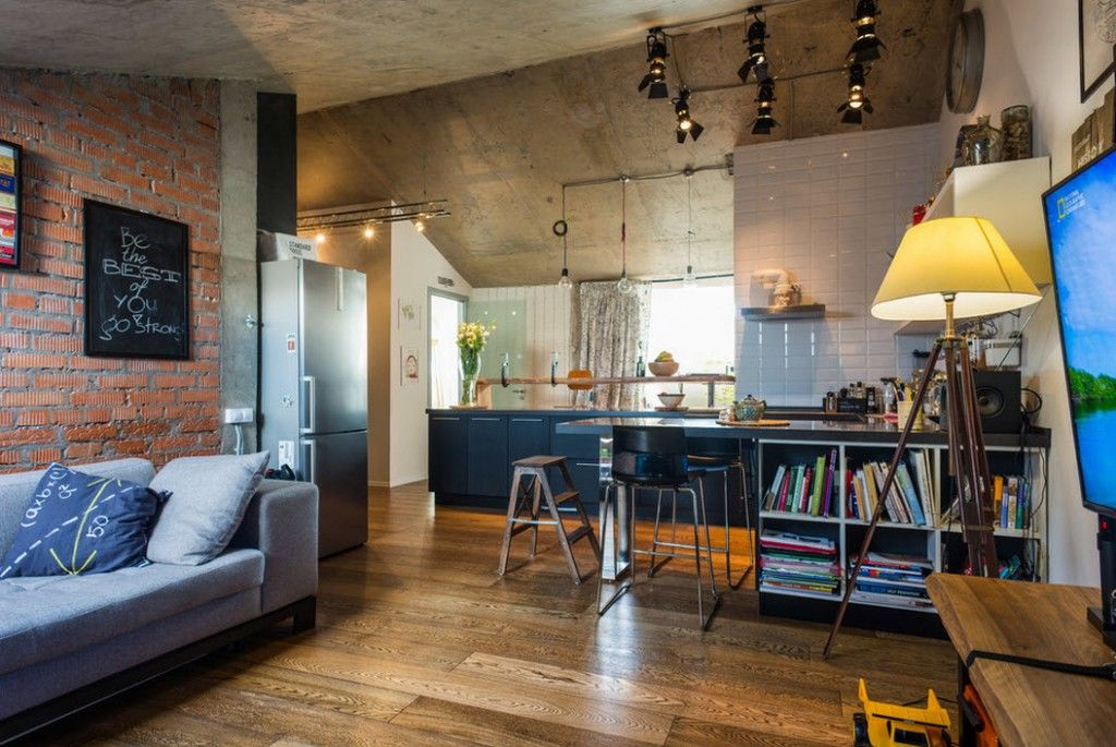 Loft Studio Apartment Interior Design Ideas in real photos. Overall glance at the apartment all in one