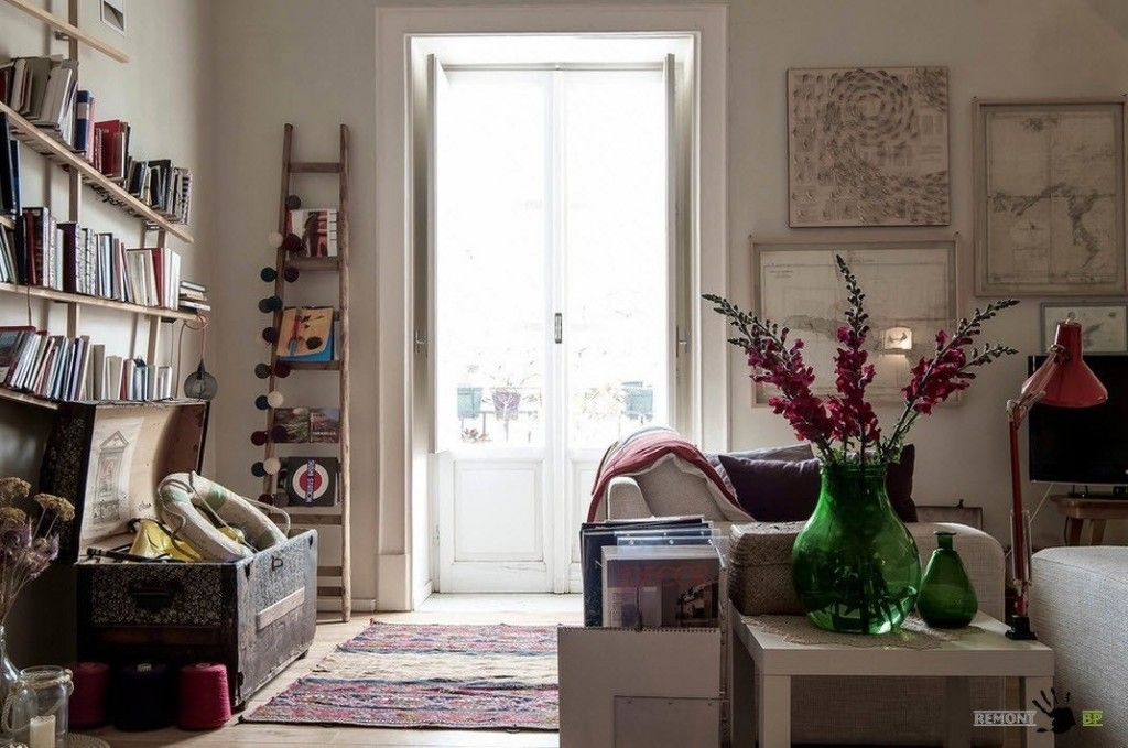 Italian Apartment Modern Interior Design. Eclectic Vintage Mix in the Italian apartment