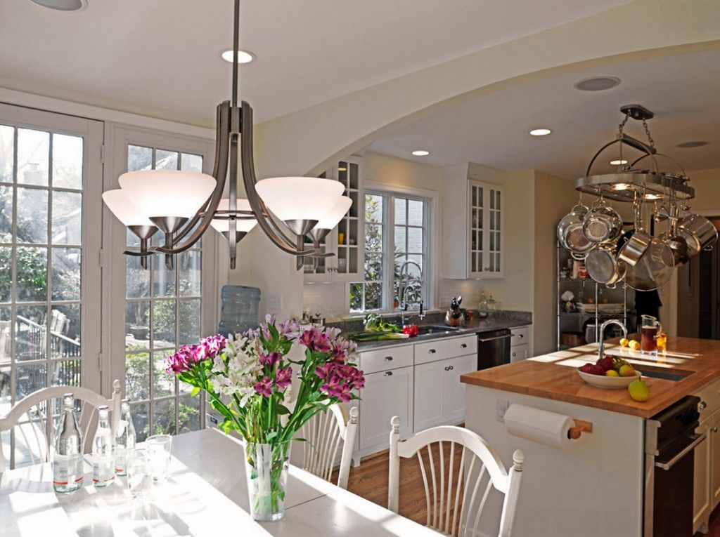 Stylish Kitchen Chandelier Types: Classic to Avant-Garde. Flower naturalistic theme of the kitchen interior