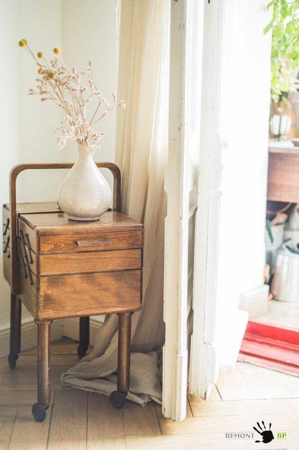 berlin apartment retro style modern interior design. Black Bedroom Furniture Sets. Home Design Ideas