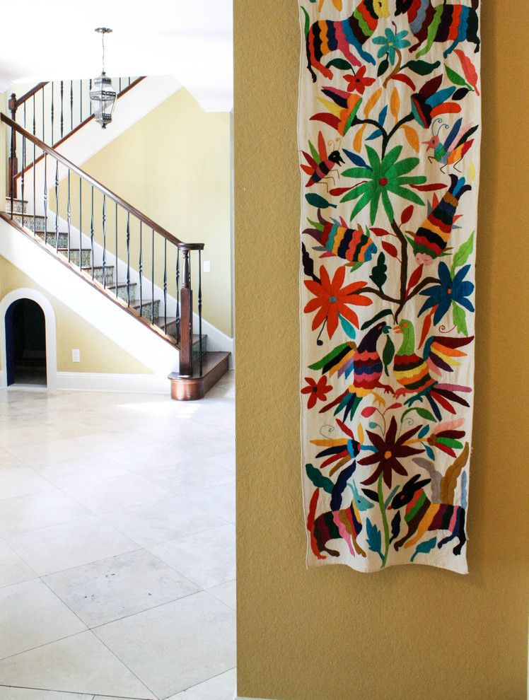 Key Hanging Cloth Embroidery Interior Design Ideas For Hallway