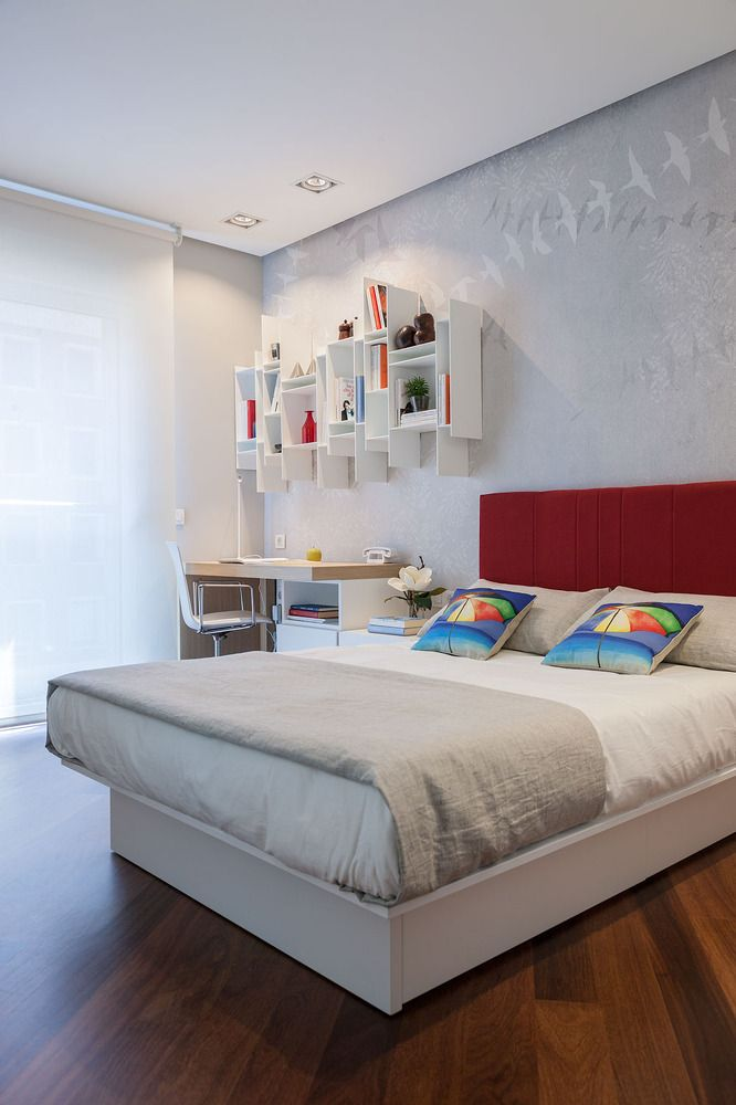 Funky bedroom interior design of the Spanish apartment