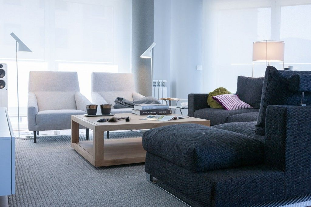 Modern Spanish Apartment Interior Design Ideas Examples. Living zone with low coffe table