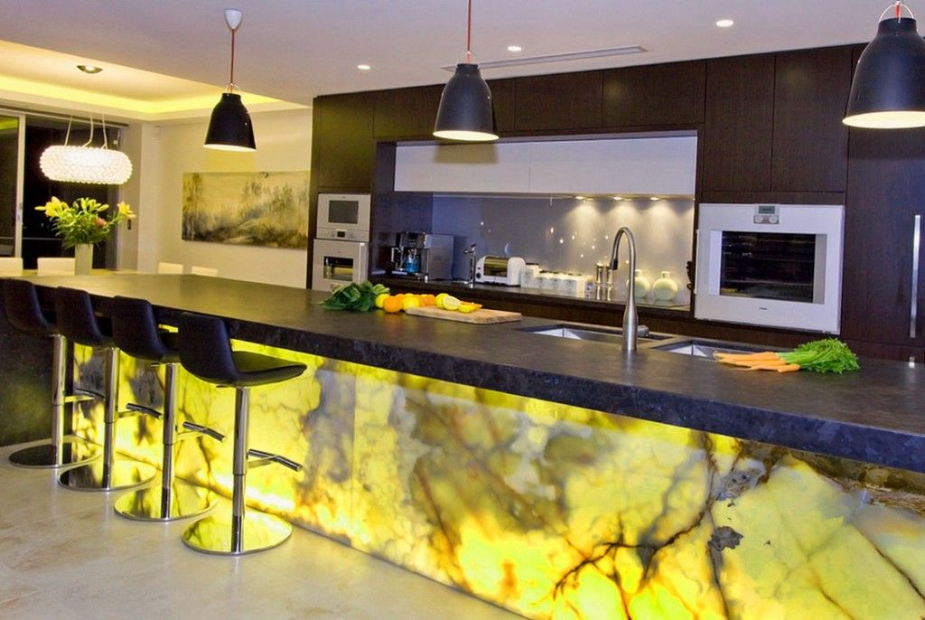 Modern Bar Counter Kitchen Design Ideas with yellow decorating panels