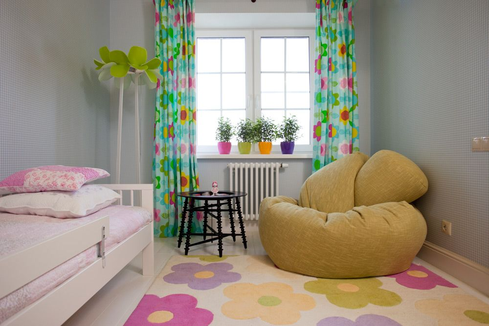 Сhildren`s Room Interior Design Ideas 2015 in the small area with beaige frameless armchair