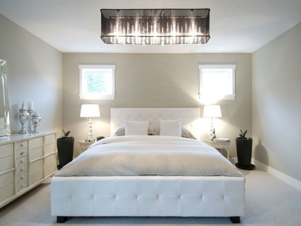 Proper Bedroom Interior Lighting Schemes Photos. White themed bedroom and two white lamps