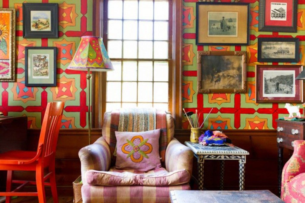 Embroidery pleasantly complements the colorful interior design